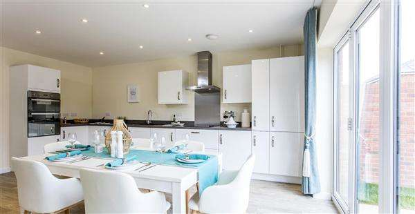 4 Bedrooms Detached House for sale in The Berrington, Seabrook Orchard, Topsham