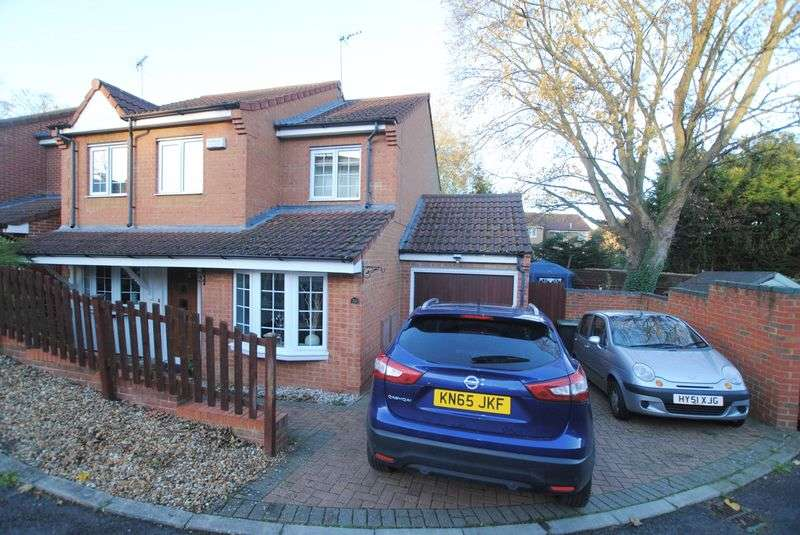 4 Bedrooms Detached House for sale in Fernmoor Drive, Irthlingborough