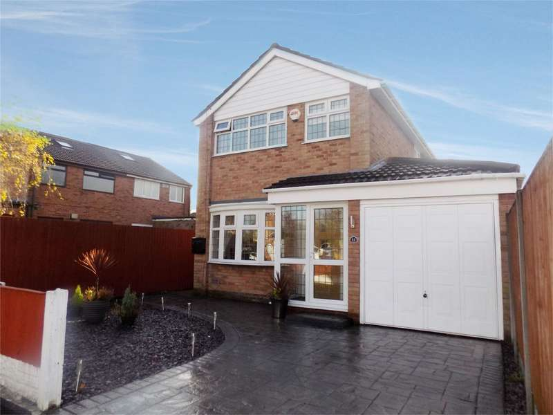 3 Bedrooms Detached House for sale in Lawson Avenue, Leigh, Lancashire