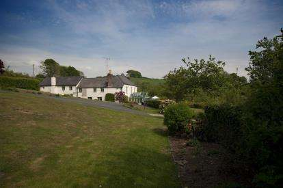 5 Bedrooms Detached House for sale in Cornwall