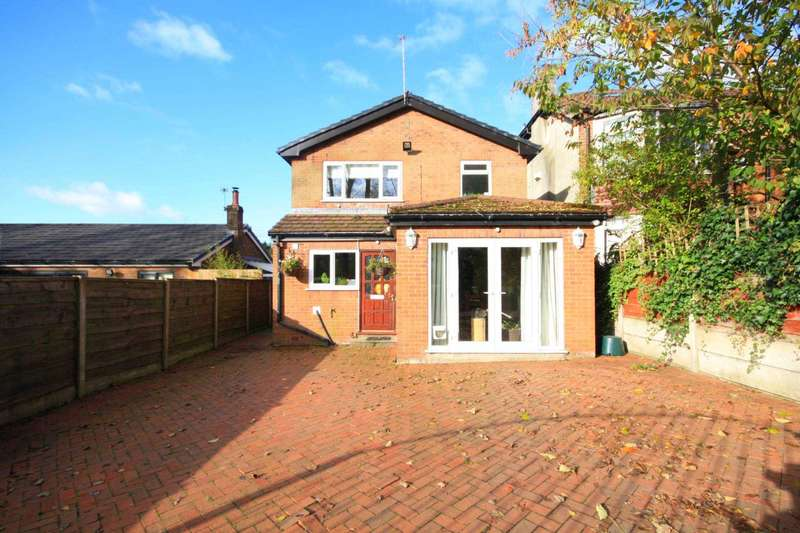 3 Bedrooms Detached House for sale in Hilton Lane, Prestwich