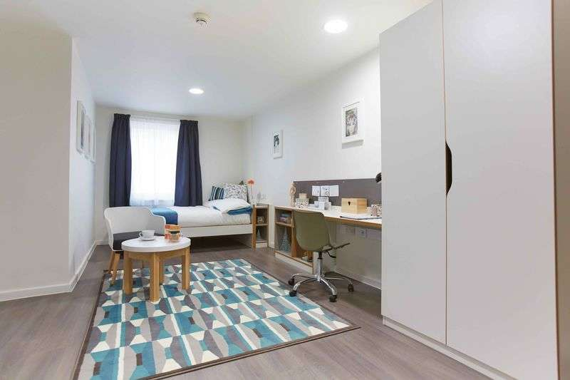 1 Bedroom Flat for rent in Bronze Studio, Briggs House, St Johns Road, Hyde Park, Leeds