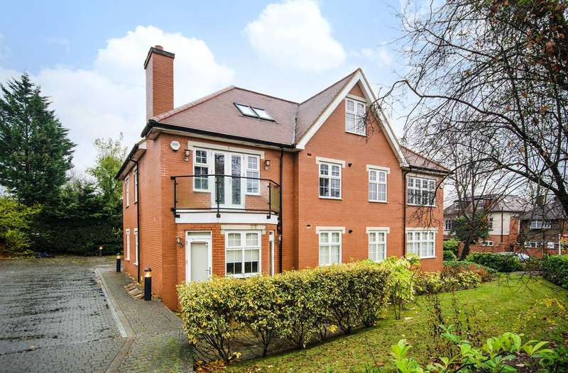 3 Bedrooms Flat for sale in Watford Road, Northwood, HA6