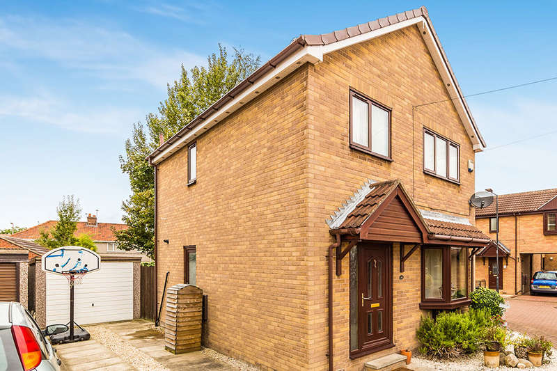3 Bedrooms Detached House for sale in Hoddesdon Crescent, Dunscroft, Doncaster, DN7