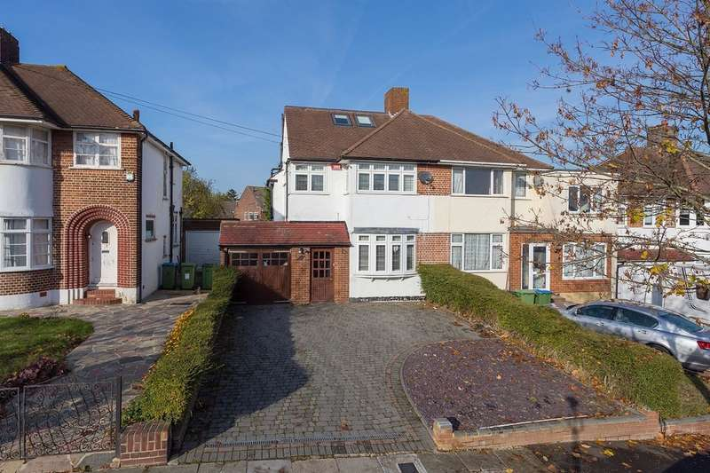 4 Bedrooms Semi Detached House for sale in Domonic Drive, London