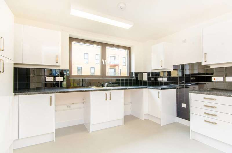 2 Bedrooms Flat for sale in Parkside Bow, Bow, E3