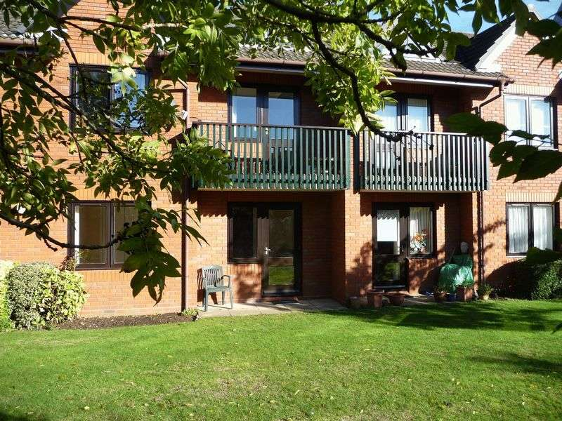 1 Bedroom Flat for sale in Headley Road East, Reading