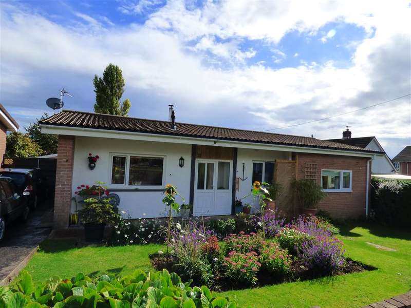 3 Bedrooms Detached Bungalow for sale in Castle View, Tutshill