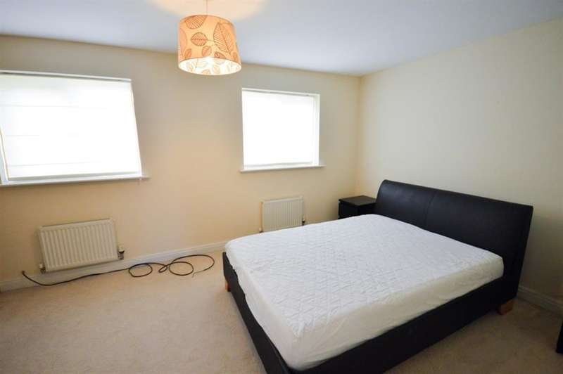 3 Bedrooms Town House for sale in Oakwood Drive, Worsley, Manchester, M28 3HN