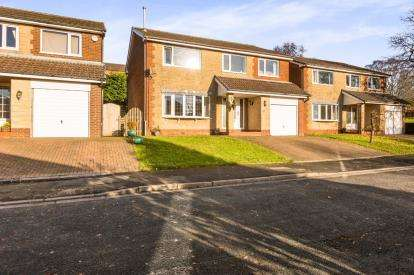 4 Bedrooms Detached House for sale in Copthurst Avenue, Higham, Burnley, Lancashire