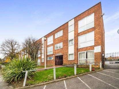 1 Bedroom Flat for sale in 87 Gordon Road, London