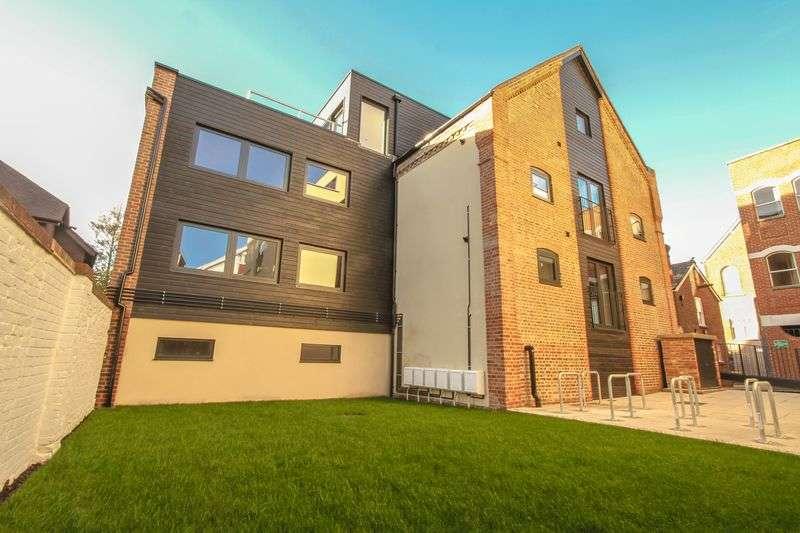 1 Bedroom Flat for sale in Lyons Crescent, Tonbridge