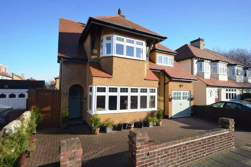 4 Bedrooms Detached House for sale in Woodland Avenue, Meols