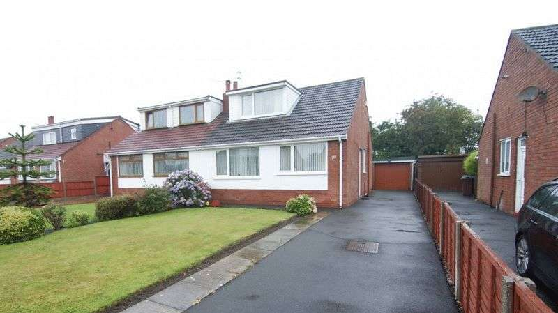 3 Bedrooms Semi Detached Bungalow for sale in Hodgson Avenue, Freckleton PR4 1SQ