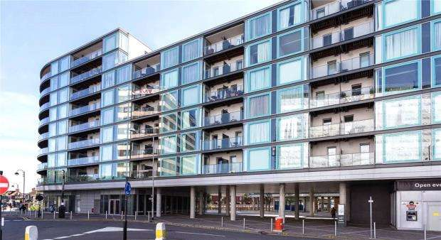 1 Bedroom Apartment Flat for sale in Vantage Building, Station Approach, Hayes