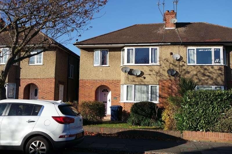 2 Bedrooms Maisonette Flat for sale in Windsor Road, Barnet