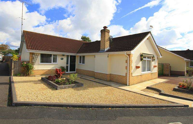 3 Bedrooms Detached Bungalow for sale in Lionswood, Ringwood
