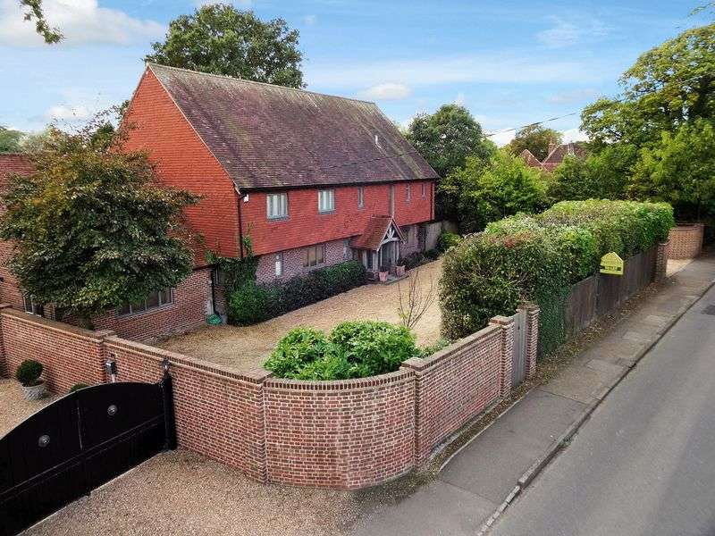 7 Bedrooms Detached House for sale in 10 Folders Lane, Burgess Hill