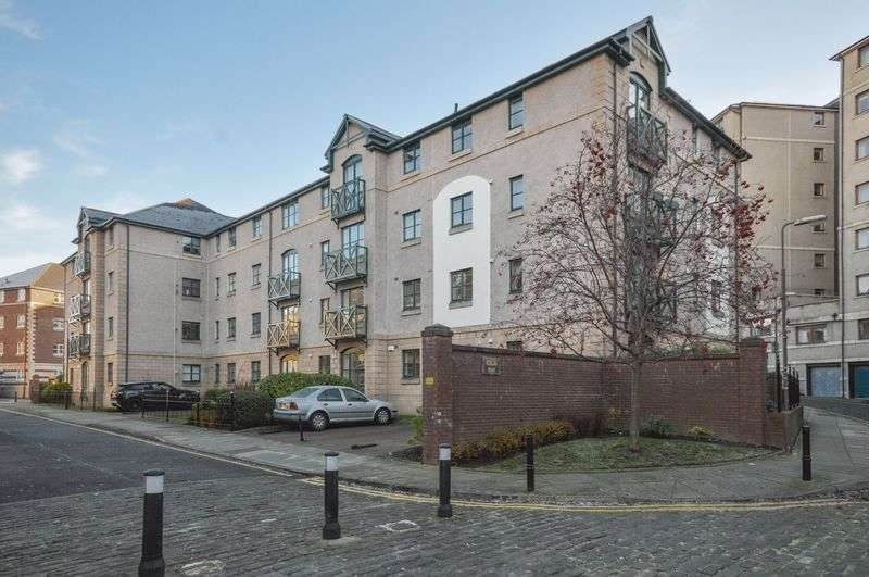 2 Bedrooms Flat for sale in 23/7 Silvermills, Stockbridge, Edinburgh, EH3 5BF