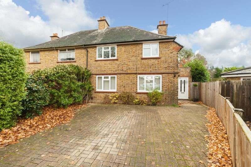 3 Bedrooms Semi Detached House for sale in Colne Avenue, Rickmansworth, WD3 8BS