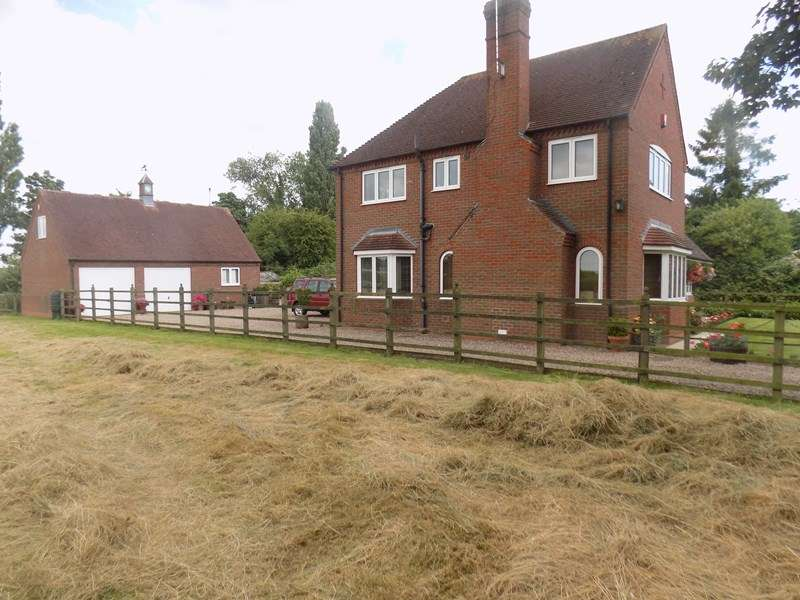 4 Bedrooms Detached House for sale in Soss Lane, Misterton