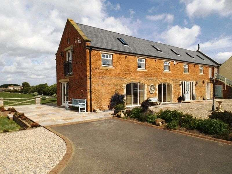 4 Bedrooms House for sale in Whitefield Farm Barns, Red Row - Four Bedroom Barn Conversion