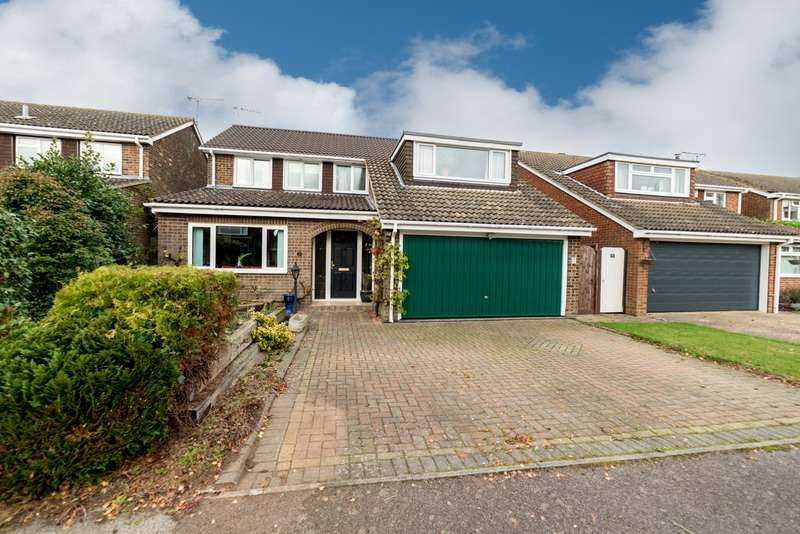 4 Bedrooms Detached House for sale in Walducks Close, Stewkley, Buckinghamshire, LU7