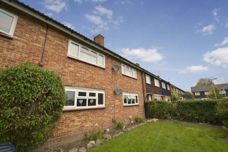 2 Bedrooms Flat for sale in Bowmans Green, Watford, WD25