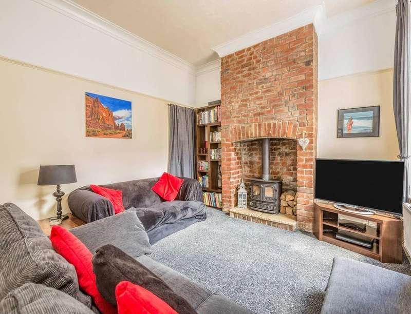 2 Bedrooms Property for sale in Philip Street, Darwen, BB3