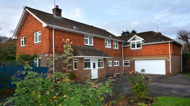 5 Bedrooms Detached House for sale in Grays Park Road, Stoke Poges