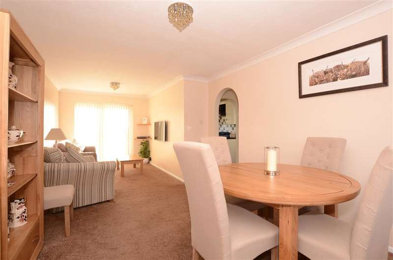 3 Bedrooms Semi Detached House for sale in Cleve Close, Framfield, Uckfield, East Sussex
