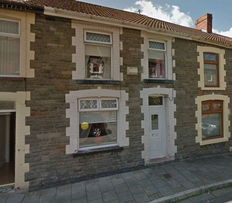3 Bedrooms End Of Terrace House for sale in Kenry Street, Treorchy