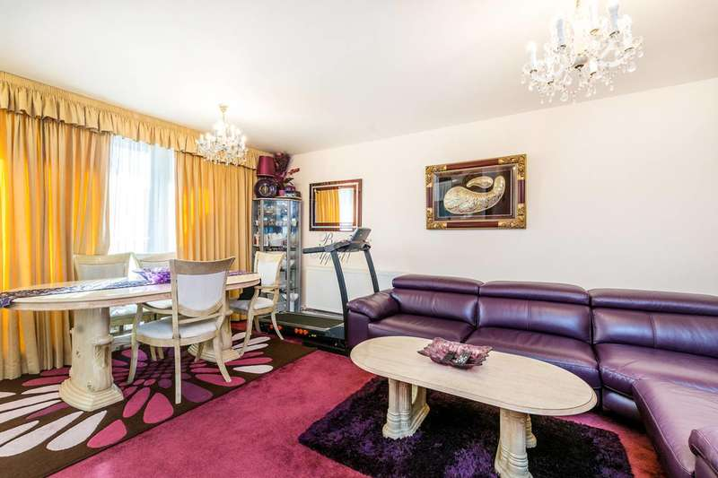 2 Bedrooms Flat for sale in Porchester Square, Queensway, W2