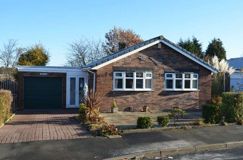 2 Bedrooms Detached Bungalow for sale in Malpas Road, Higher Runcorn