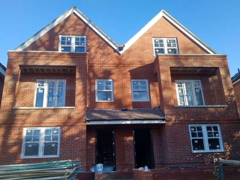 5 Bedrooms Semi Detached House for sale in HIGH WYCOMBE - new build, substantial three storey semi detached house.