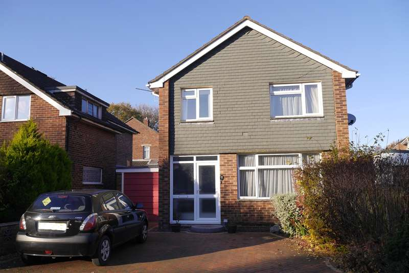 3 Bedrooms Detached House for sale in Tenterton Avenue, Woolston