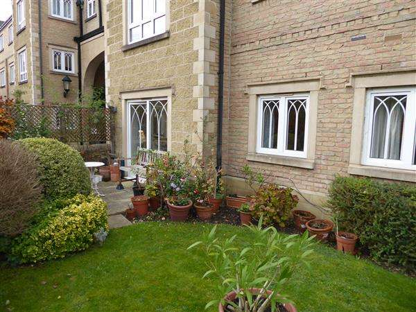 2 Bedrooms Retirement Property for sale in Goring Lodge Pegasus Grange (With Garage), Whitehouse Road, Oxford
