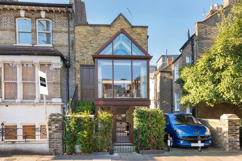 1 Bedroom End Of Terrace House for sale in Linden Gardens, London, W4