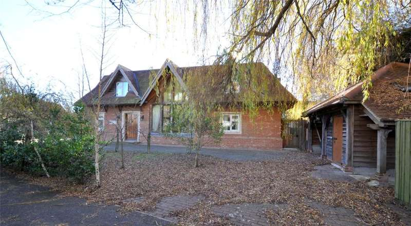 4 Bedrooms Detached House for sale in The Spinney, Itchenor, Chichester, West Sussex, PO20