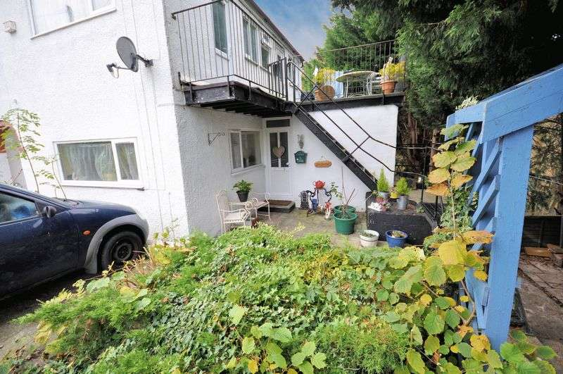 2 Bedrooms Property for sale in Searle Court Avenue, Bristol