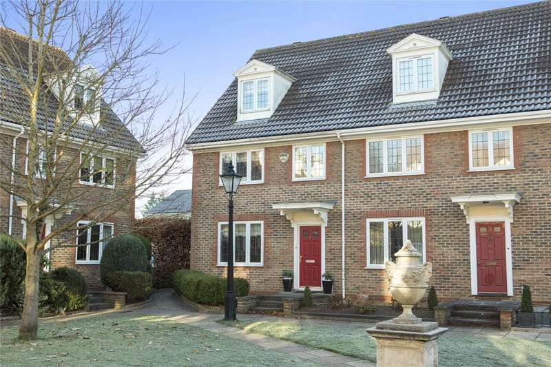 4 Bedrooms End Of Terrace House for sale in Stafford Square, Weybridge, KT13