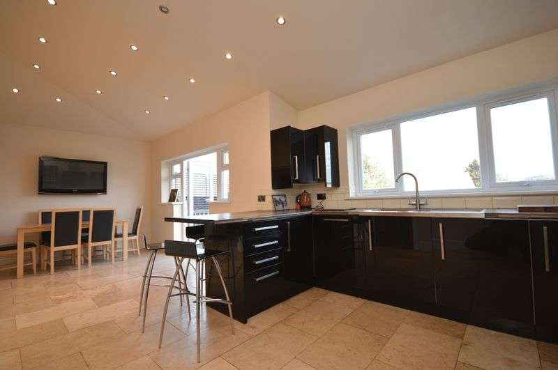 4 Bedrooms Semi Detached House for sale in Bishopsworth/Dundry, Bristol