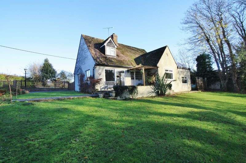 4 Bedrooms Detached House for sale in EWELME
