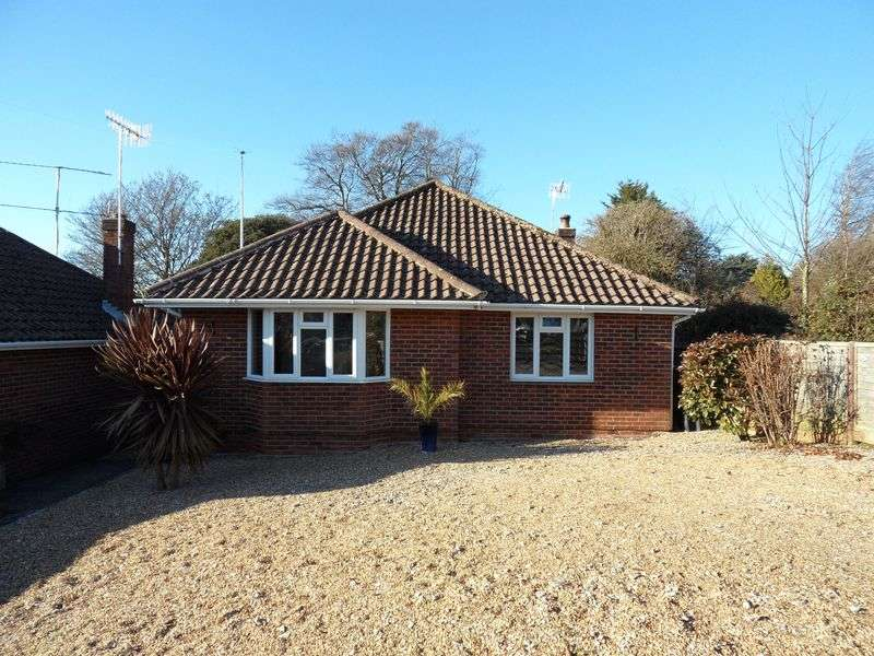 2 Bedrooms Detached Bungalow for sale in Beeches Avenue, Worthing