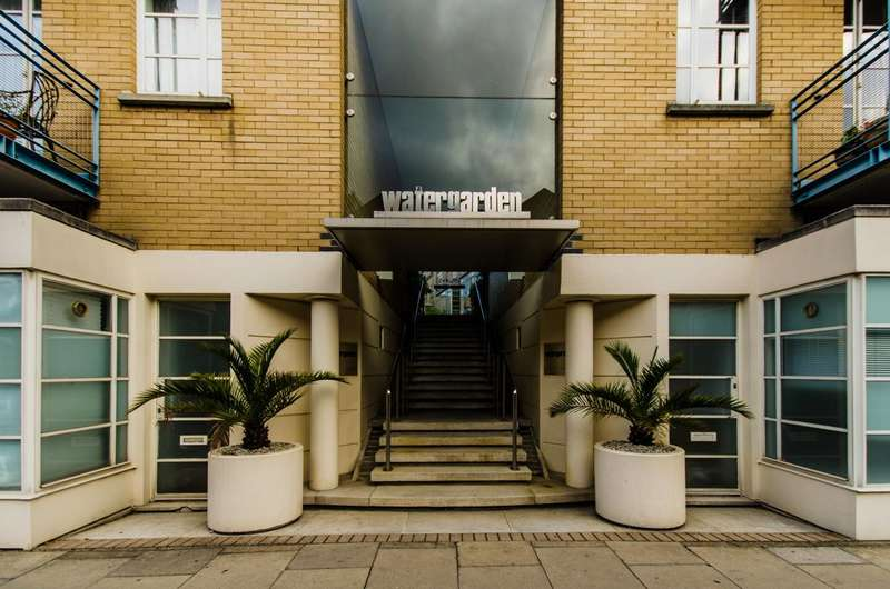2 Bedrooms Flat for sale in The Watergarden, Limehouse, E14