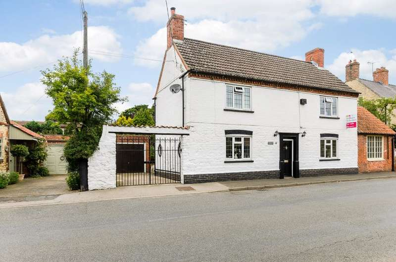 5 Bedrooms Detached House for sale in High Street, Brant Broughton, Lincoln, LN5