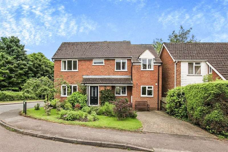 5 Bedrooms Detached House for sale in Long View, Berkhamsted, HP4