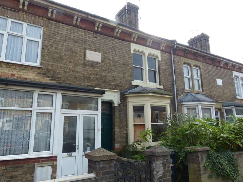 2 Bedrooms Terraced House for sale in Oundle Road, Peterborough, PE2