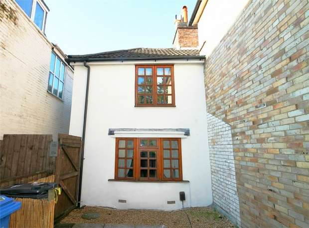 3 Bedrooms Cottage House for sale in Ashley Cross, POOLE, Dorset