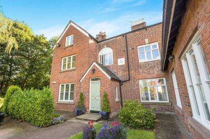 3 Bedrooms Flat for sale in Toad Pond Close, Swinton, Manchester, Greater Manchester